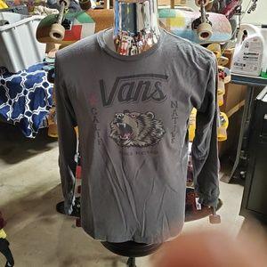 Van's men's large long sleeved tee